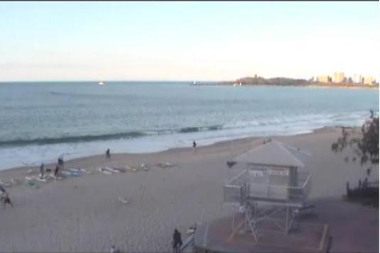 Mooloolaba live beach surfing streaming webcam