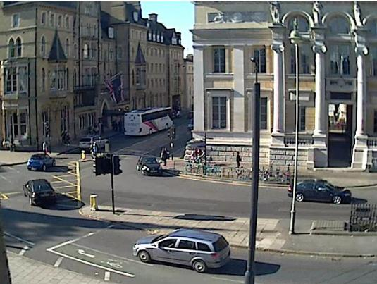 Oxford Town Centre live streaming webcam