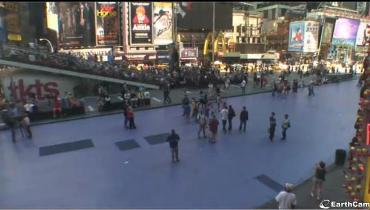 Times Square Live Video Streaming HD Street Level People Watching Webcam New York
