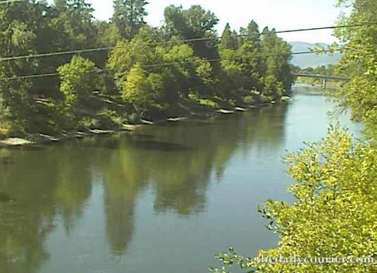 Rogue River Seventh Street Bridge Streaming Cam Grants Pass Oregon