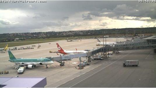 Live stuttgart airport streaming hd weather webcam for Camera streaming live