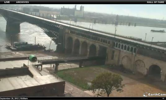 Live Streaming HD Webcam Views of Eads Bridge St.Louis