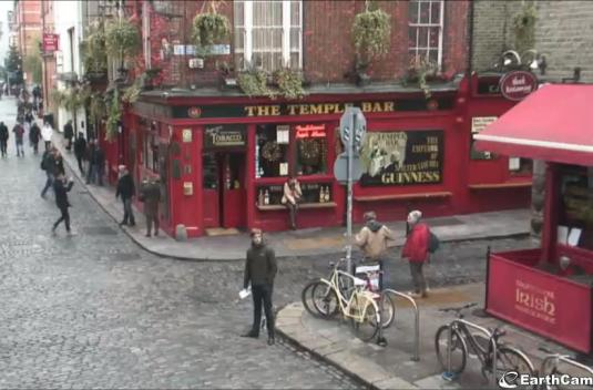 Live Temple Bar Streaming HD webcam Dublin City Centre Dublin Ireland