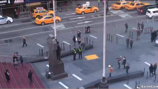 Live Times Square 7th Avenue and Broadway Streaming Cam New York City
