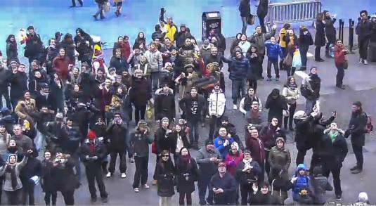 New York Times Square Street Live Streaming People Watching Web Cam NYC