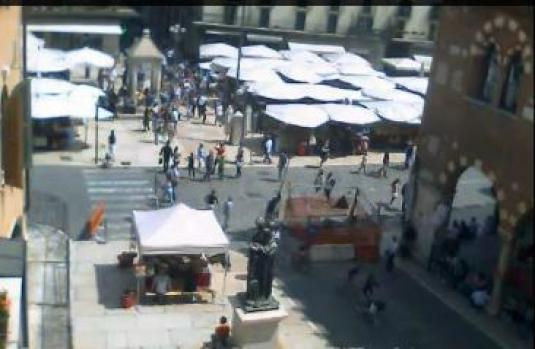 Verona City Square Streaming Video Audio Webcam Italy