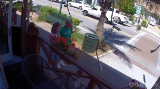 Bonjour French Cafe Live People Watching Web Cam Siesta Key Village Florida