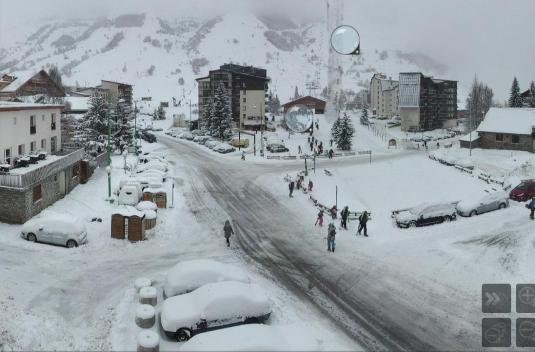 Les Deux Alpes Skiing Resort Weather Webcam French Alps France