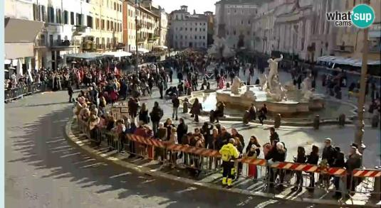 Fountain of Neptune Piazza Navona Web Cam Rome Italy